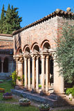 Patio de Basilica di San Zeno en Verona Fotografía de archivo libre de regalías
