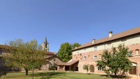 Patio de la abadía de Croce del alla de Santa María, Tiglieto, Italia Fotos de archivo