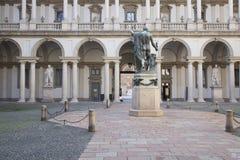 Patio de la academia de Brera en Milán, Italia Imagen de archivo