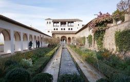 Patio de la Acequia (cour de la voie d'eau) Image libre de droits