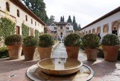 Patio de la Acequia (cour de la voie d'eau) Photos libres de droits