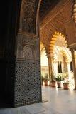 Patio de las Doncellas,城堡皇家在塞维利亚,西班牙 免版税库存照片