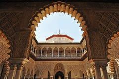 Patio de Las Doncellas, Alcazar königlich in Sevilla, Spanien Lizenzfreie Stockfotos