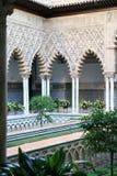 Patio de las Doncellas en el Alcazar, Sevilla, España Imágenes de archivo libres de regalías