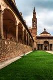 Patio de los di Santa Croce de la basílica Florencia, Italia Fotografía de archivo libre de regalías