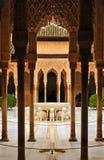 Patio de los Leones,阿尔罕布拉宫宫殿在格拉纳达,西班牙 免版税库存图片