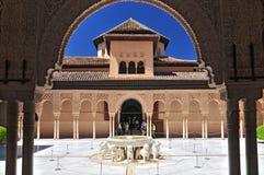 Patio de los Leones Patio de los leones en el Palacios Nazaries, Alhambra, Granada, Andalucía, España fotos de archivo
