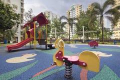 Patio 2 de los niños de la vivienda de protección oficial de Singapur Imagenes de archivo