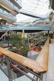 Patio de un centro comercial Fotografía de archivo libre de regalías