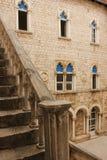 Patio del ayuntamiento Trogir Croacia Fotografía de archivo libre de regalías