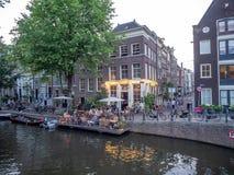 Patio del canale a Amsterdam immagini stock libere da diritti