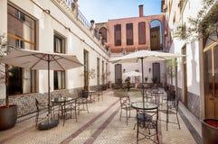 Patio del salotto nell'albergo di lusso di Oporto immagini stock