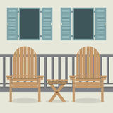 Patio della Camera con le sedie e le finestre aperte di giardino Immagini Stock Libere da Diritti