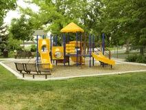 Patio en el parque en colores primarios Imágenes de archivo libres de regalías