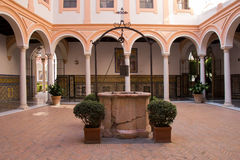 Patio en Museo de Bellas Artes Séville Photo libre de droits