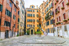 Patio en Venecia, Italia fotos de archivo libres de regalías