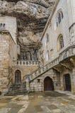 patio interior de la iglesia de Notre Dame Rocamadour Imagenes de archivo