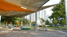 Patio moderno en el parque almacen de video