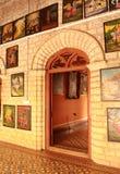 Patio ornamental con la galería en el palacio de Bangalore fotos de archivo libres de regalías