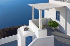 Patio in Santorini, Griechenland Stockfotos