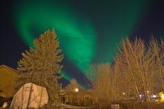 Patio trasero de la aurora boreal Foto de archivo libre de regalías