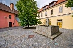 Patio trasero hermoso en Pardubice, República Checa Imagen de archivo libre de regalías