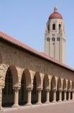 Patio y torre de la Universidad de Stanford Imagen de archivo libre de regalías