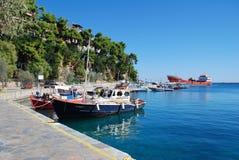 Patitiri Hafen, Alonissos Insel lizenzfreie stockfotos