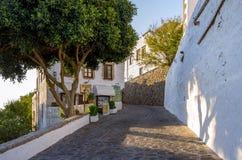 Patmos-Insel, Griechenland - 22. August 2017 - traditionelle Architektur in Patmos-Insel, Dodecanese, Griechenland lizenzfreie stockbilder