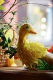 Pato amarelo da Páscoa Foto de Stock