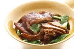 Pato cocido al horno con bróculi chino Fotografía de archivo libre de regalías