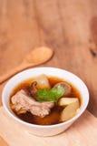 Pato con la sopa de la cal Fotos de archivo libres de regalías