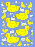 Pato de Bathtime y azul burbujeante del jabón Imagen de archivo libre de regalías