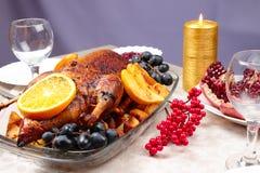 Pato de carne asada con la naranja Imagenes de archivo