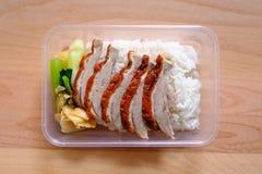 Pato do BBQ sobre o arroz cozinhado Imagem de Stock