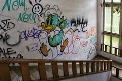 Pato en las escaleras Fotografía de archivo
