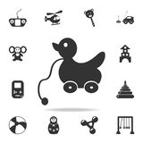 pato nas rodas O grupo detalhado de bebê brinca ícones Projeto gráfico da qualidade superior Um dos ícones da coleção para Web si ilustração stock