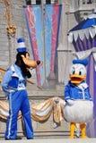 Pato torpe y de Donald en el mundo de Disney Imagen de archivo