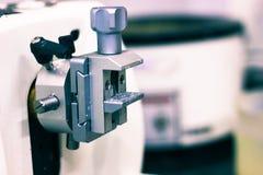 Patologiczny tkankowy zarabia sekcja cienki plasterek robi microtome dla hitopathological analizy zdjęcia royalty free
