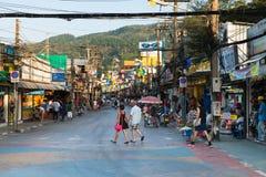 Patong Bangla väg på dagen, Phuket, Thailand Royaltyfri Bild