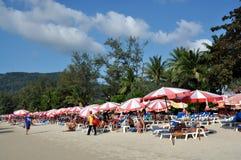 Patong, Tailândia: Praia famosa de Patong Imagens de Stock Royalty Free