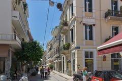 PATRAS, GRECJA MAY 28, 2015: Typowa ulica w Patras, Peloponnese, Grecja Obraz Royalty Free