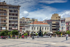 PATRAS, GRIEKENLAND 28 MEI, 2015: Panorama van Koning George I Vierkant in Patras, de Peloponnesus, Griekenland royalty-vrije stock fotografie