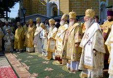 Patriarca Kirill e gli altri vescovi sulla liturgia a Kiev Fotografie Stock Libere da Diritti