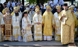 Patriarca Kirill e gli altri vescovi sulla liturgia a Kiev Fotografia Stock