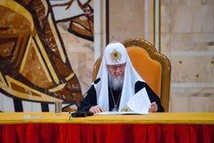 Patriark Kirill av Moskva och all Ryssland på den 7th generalkyrkan Fotografering för Bildbyråer