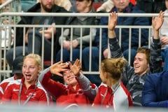 Patricija SPaka, Alona Ostapenko en Daniela Vismane, tijdens de Wereldgroep II van FEDCUP BNP Paribas Eerste Rond spel royalty-vrije stock afbeeldingen