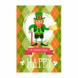Patrick jest dzień karty st Leprechaun z kijem, dymienie drymbą i szkłem piwo, Obrazy Royalty Free