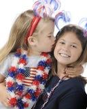 Patriotas jovenes cariñosos Foto de archivo libre de regalías