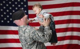 Patriote et fils militaires image stock
